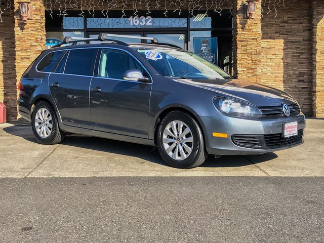 2011 Volkswagen Jetta TDI This vehicle is a CarFax certified one-owner used car Pre-owned vehicle