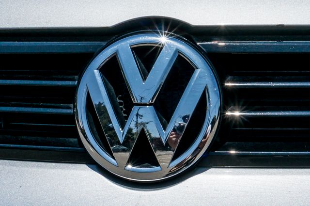2011 Volkswagen Jetta S -87K MILES - AUTO - CD PLAYER - MANUAL Reseda, CA 41