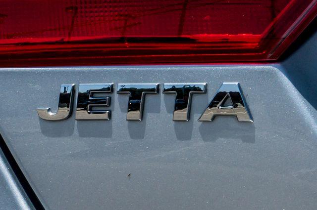 2011 Volkswagen Jetta S -87K MILES - AUTO - CD PLAYER - MANUAL Reseda, CA 40