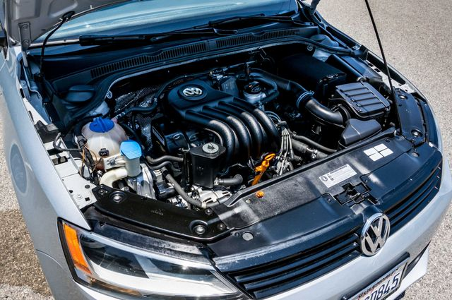 2011 Volkswagen Jetta S -87K MILES - AUTO - CD PLAYER - MANUAL Reseda, CA 33
