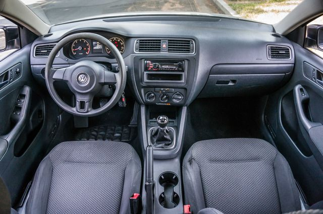 2011 Volkswagen Jetta S -87K MILES - AUTO - CD PLAYER - MANUAL Reseda, CA 17