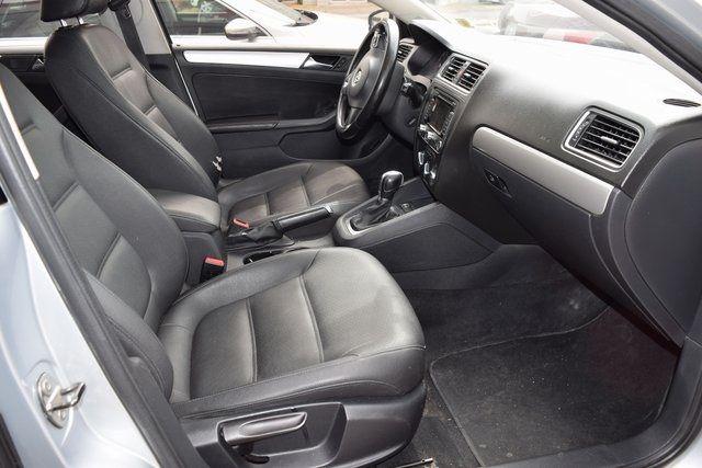 2011 Volkswagen Jetta SEL w/Sunroof Richmond Hill, New York 12