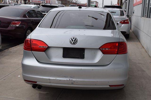 2011 Volkswagen Jetta SEL w/Sunroof Richmond Hill, New York 4