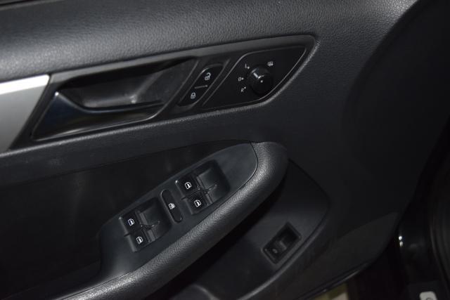 2011 Volkswagen Jetta SEL w/Sport Pkg PZEV Richmond Hill, New York 13