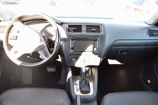 2011 Volkswagen Jetta SE w/Convenience & Sunroof PZEV Richmond Hill, New York 15