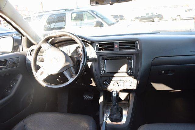 2011 Volkswagen Jetta SE w/Convenience & Sunroof PZEV Richmond Hill, New York 16