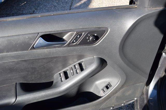 2011 Volkswagen Jetta SE w/Convenience & Sunroof PZEV Richmond Hill, New York 19