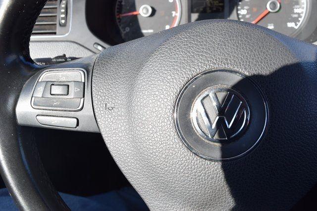 2011 Volkswagen Jetta SE w/Convenience & Sunroof PZEV Richmond Hill, New York 25