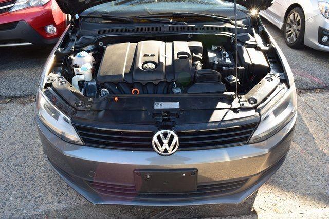 2011 Volkswagen Jetta SE w/Convenience & Sunroof PZEV Richmond Hill, New York 3