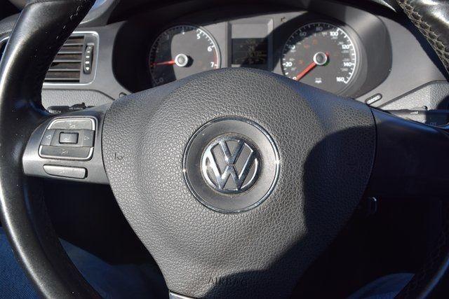 2011 Volkswagen Jetta SE w/Convenience & Sunroof PZEV Richmond Hill, New York 32