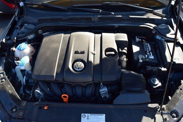 2011 Volkswagen Jetta SE w/Convenience & Sunroof PZEV Richmond Hill, New York 4