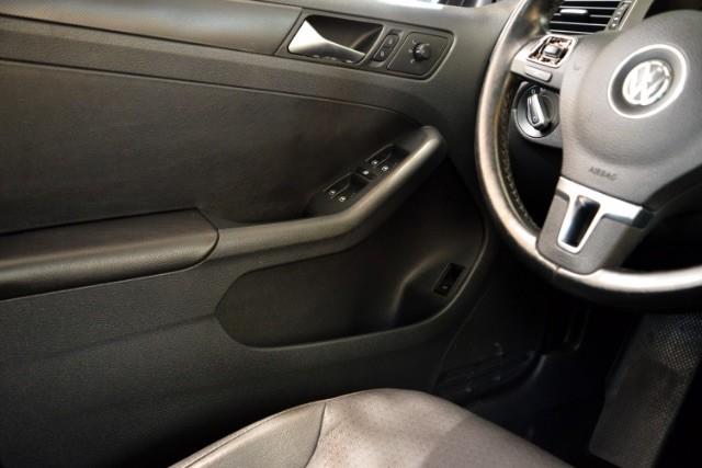 2011 Volkswagen Jetta SE w/Convenience & Sunroof San Antonio , Texas 13