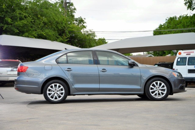 2011 Volkswagen Jetta SE w/Convenience & Sunroof San Antonio , Texas 4