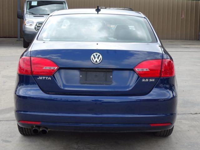 2011 Volkswagen Jetta SE w/Convenience San Antonio , Texas 3