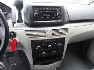 2011 Volkswagen Routan SE Farmington, Minnesota 5