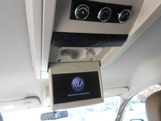 2011 Volkswagen Routan SE w/RSE & Navigation Memphis, Tennessee 16