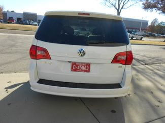 2011 Volkswagen Routan SE w/RSE & Navigation Memphis, Tennessee 33