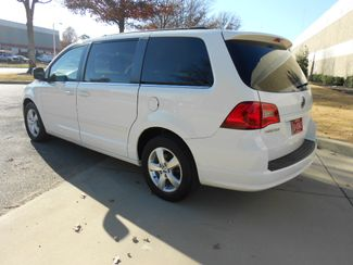 2011 Volkswagen Routan SE w/RSE & Navigation Memphis, Tennessee 35