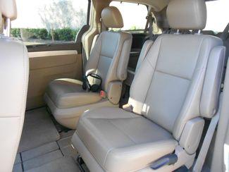 2011 Volkswagen Routan SE w/RSE & Navigation Memphis, Tennessee 6