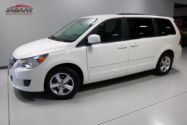 2011 Volkswagen Routan SE Merrillville, Indiana 30