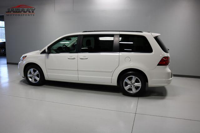 2011 Volkswagen Routan SE Merrillville, Indiana 38