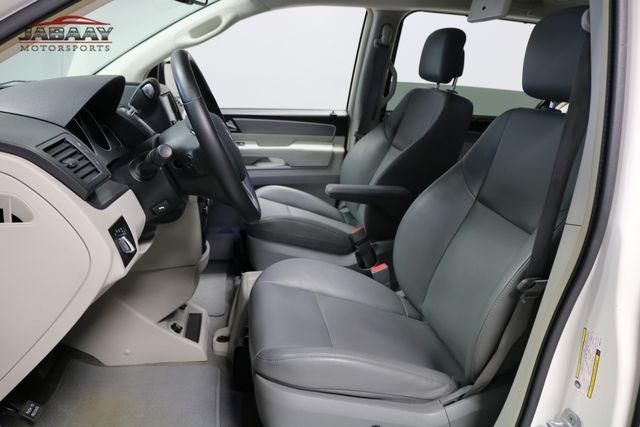 2011 Volkswagen Routan SE Merrillville, Indiana 10