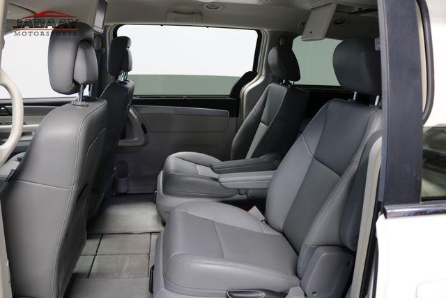 2011 Volkswagen Routan SE Merrillville, Indiana 12