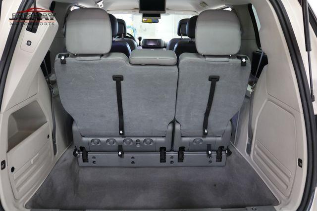 2011 Volkswagen Routan SE Merrillville, Indiana 26