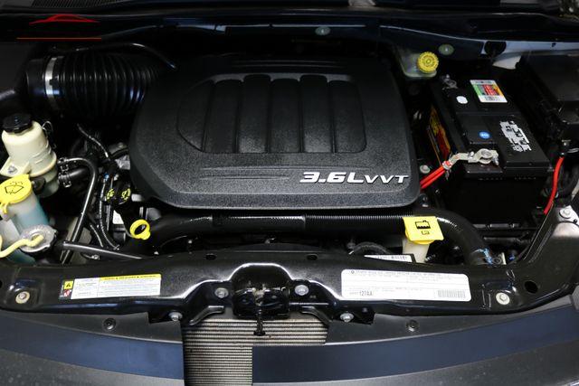 2011 Volkswagen Routan SE Merrillville, Indiana 8