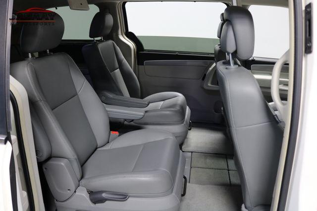 2011 Volkswagen Routan SE Merrillville, Indiana 16