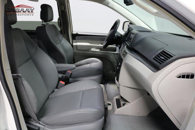 2011 Volkswagen Routan SE Merrillville, Indiana 18