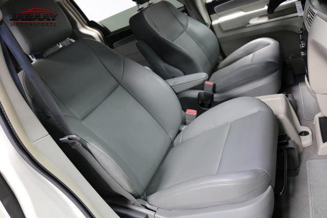 2011 Volkswagen Routan SE Merrillville, Indiana 17