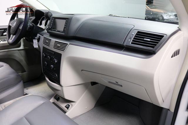 2011 Volkswagen Routan SE Merrillville, Indiana 19