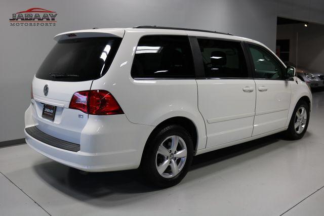 2011 Volkswagen Routan SE Merrillville, Indiana 4