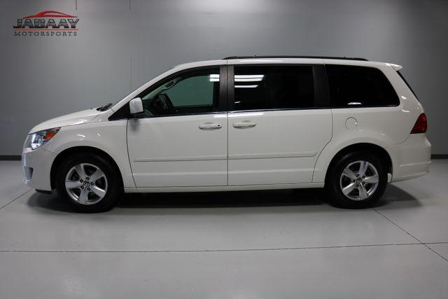 2011 Volkswagen Routan SE Merrillville, Indiana 1
