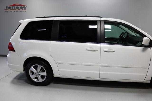 2011 Volkswagen Routan SE Merrillville, Indiana 39