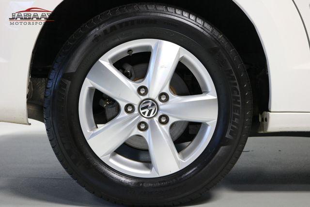 2011 Volkswagen Routan SE Merrillville, Indiana 47