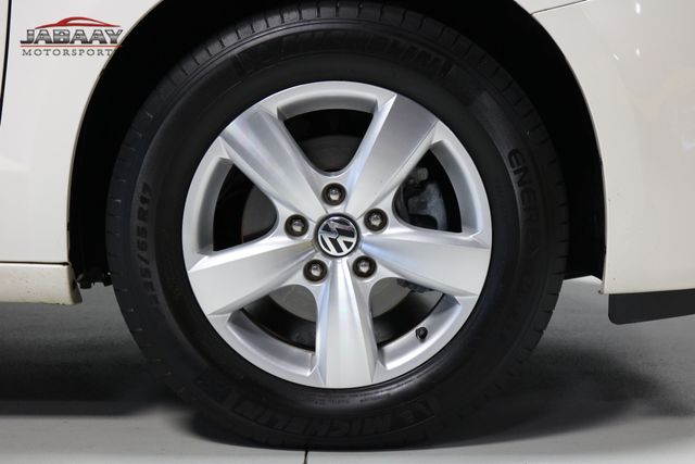 2011 Volkswagen Routan SE Merrillville, Indiana 48