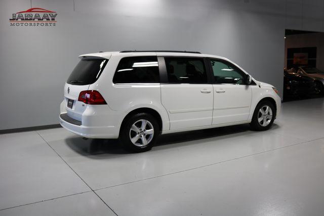 2011 Volkswagen Routan SE Merrillville, Indiana 41