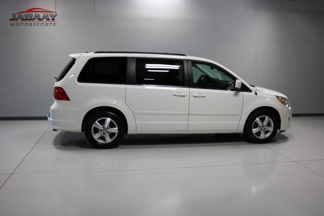2011 Volkswagen Routan SE Merrillville, Indiana 42