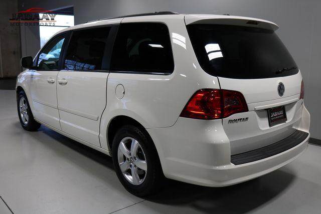 2011 Volkswagen Routan SE Merrillville, Indiana 2