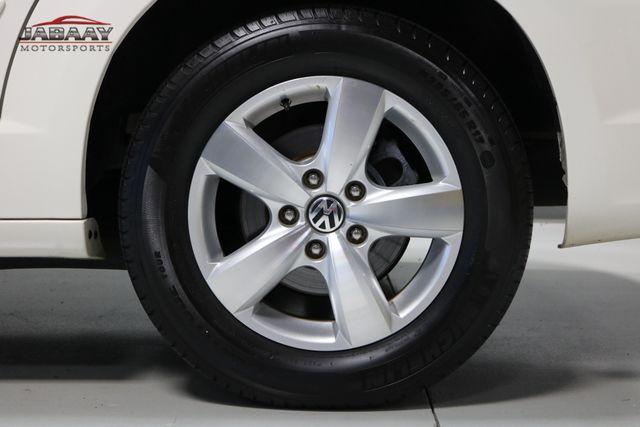 2011 Volkswagen Routan SE Merrillville, Indiana 46