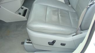 2011 Volkswagen Routan SEL w/Navigation Richardson, Texas 7