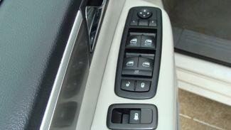 2011 Volkswagen Routan SEL w/Navigation Richardson, Texas 37