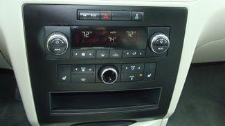 2011 Volkswagen Routan SEL w/Navigation Richardson, Texas 39