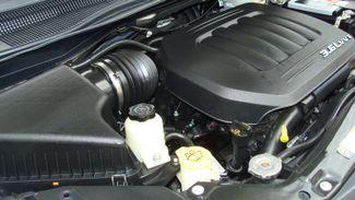 2011 Volkswagen Routan SEL w/Navigation Richardson, Texas 47