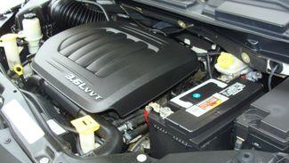 2011 Volkswagen Routan SEL w/Navigation Richardson, Texas 48