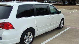 2011 Volkswagen Routan SEL w/Navigation Richardson, Texas 41