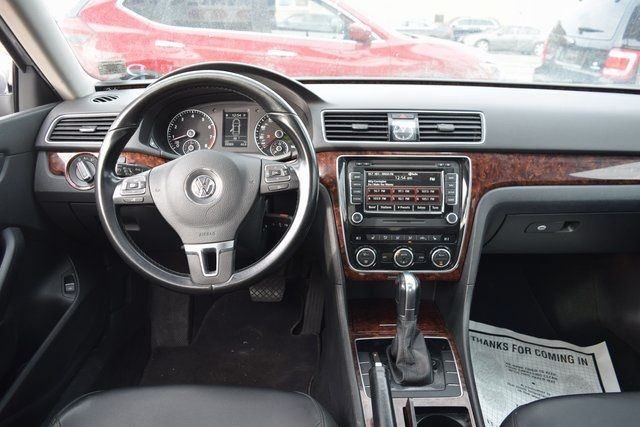 2011 Volkswagen Routan SEL Richmond Hill, New York 15