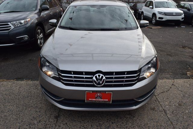 2011 Volkswagen Routan SEL Richmond Hill, New York 3